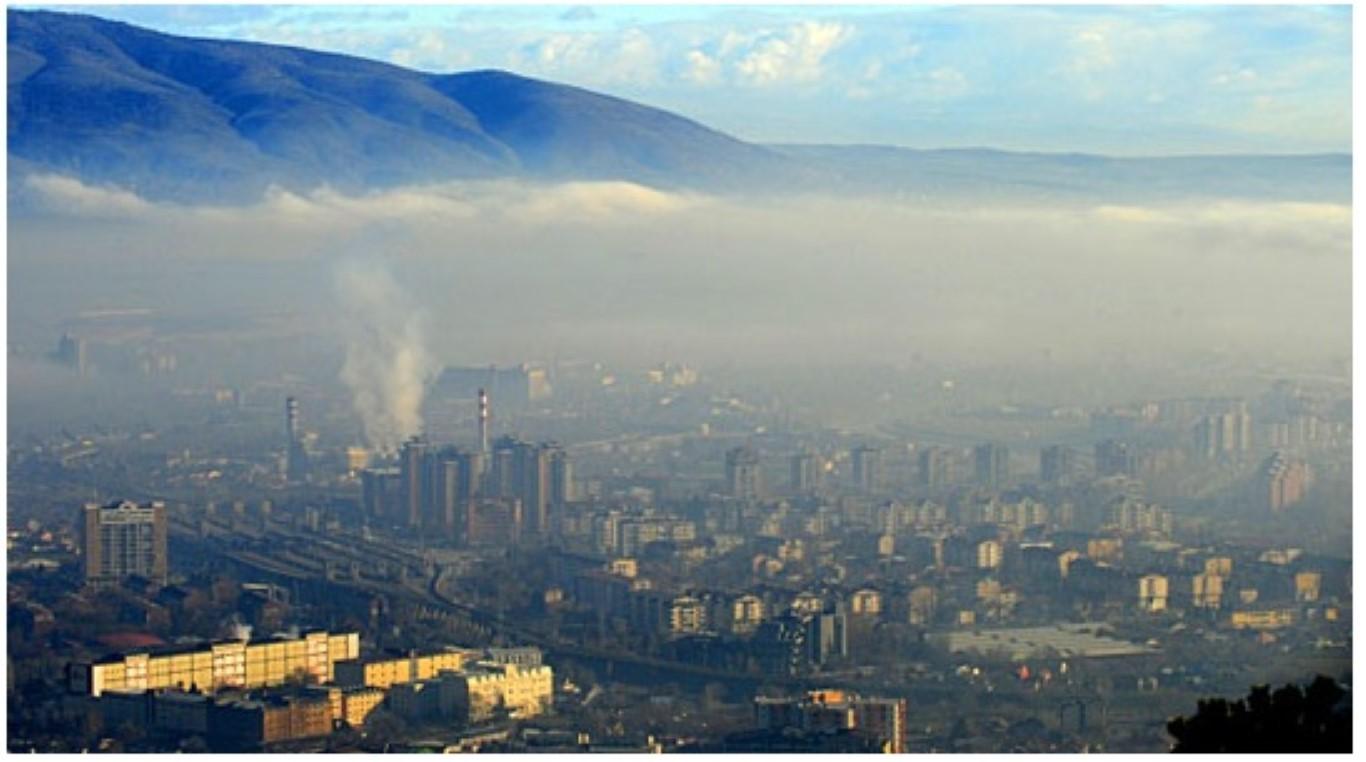 ВРЕМЕТО ДЕНЕС: Ведро студено со слаба утринска магла - високо загадување во скопските општини и Тетово