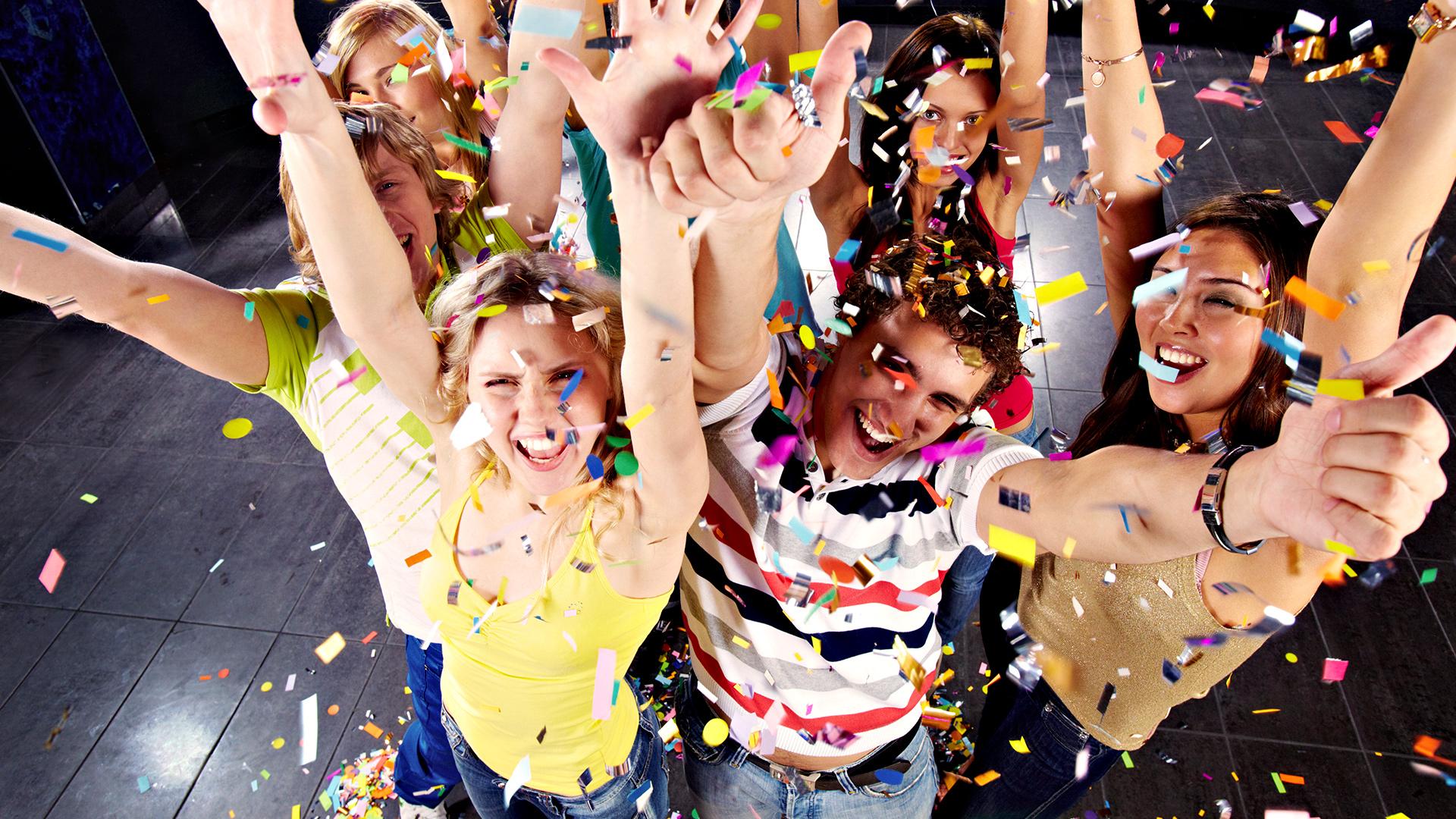 ПОСЛЕДНА ПОНУДА: Прославете ја Нова година во кафе-бар Ало Ало