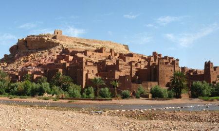 Град од кал и слама на работ на Сахара