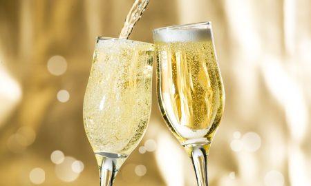 ШТО ДА ПИЕТЕ ОВАА НОВА ГОДИНА: Уживајте во шампањското, корисно е за вашето здравје