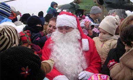 Дедо Мраз ќе пристигне со хеликоптер на аеродромот во Петровец