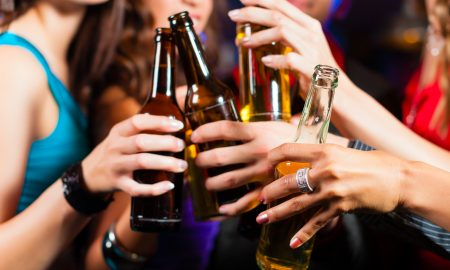 ИСТРАЖУВАЊЕ: Алкохолот нѐ прави посреќни