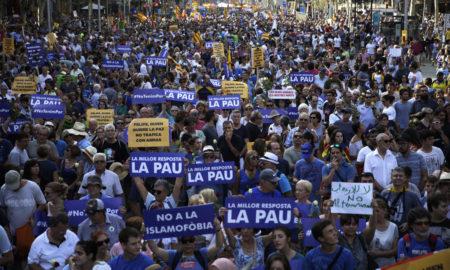 Половина милион лица маршираа за мир во Барселона