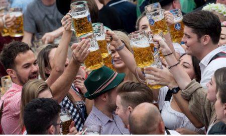 Октоберфест во првиот викенд го посетиле 600.000 луѓе