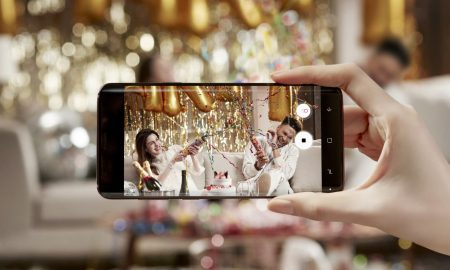 """Самсунг """"водич за користење на паметните телефони"""" за време на свадби"""