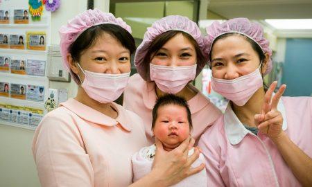 Во болница во САД истовремено забремениле 16 медицински сестри