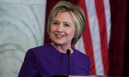 По политичката кариера, Хилари Клинтон стана глумица