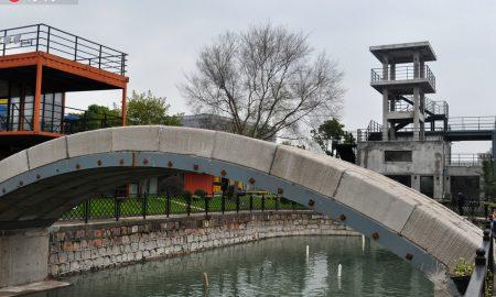 Првиот пешачки 3-Д мост (видео)